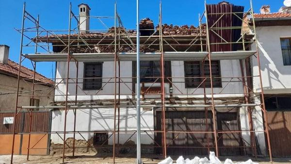 Община Разлог извърши цялостен ремонт на покрива на Патокова къща
