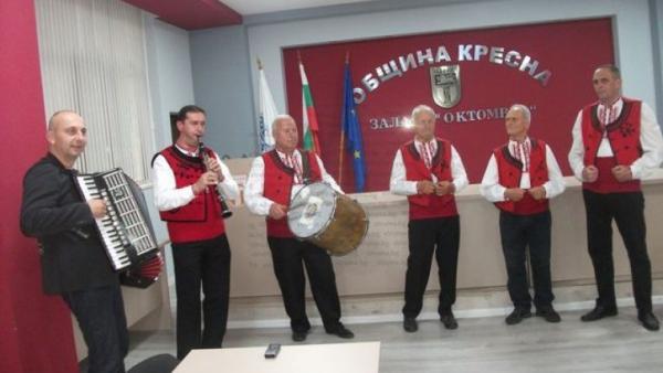 """Кресненската фолклорна група  Синаница"""" с песен, посветена на войводата Ичко Бойчев"""