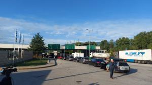 Гърция въвежда допълнителен тест за коронавирус за пристигащите от България