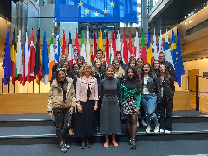 Младежи от община Сандански  с участие в Европейско младежко събитие в Страсбург